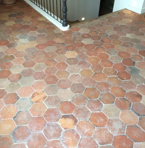 tomettes anciennes hexagonales les mat riaux anciensjean chabaud. Black Bedroom Furniture Sets. Home Design Ideas